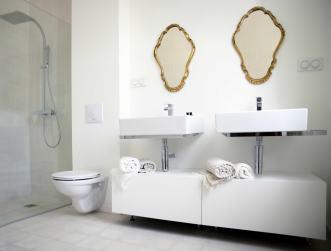 "Salle d'eau de ""La chambre Van Gogh"""